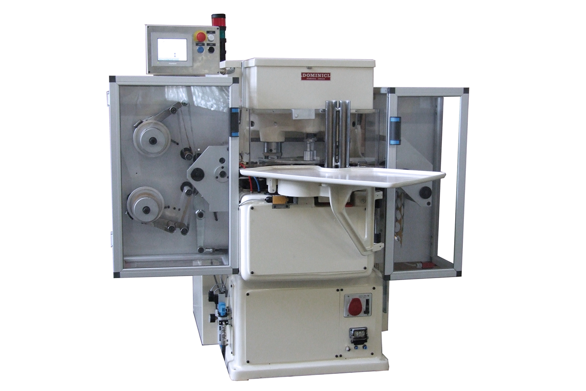 Wrapping machine for chocolate